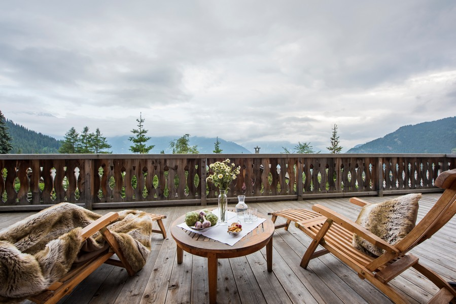 View outsie from the chalet in the summer holidays at the Ski Chalet 1 bella coola in Verbier