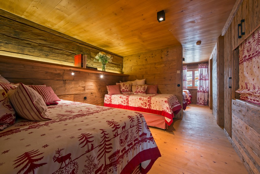 Childrens room 1597 chalet in Lech with Hot-tub