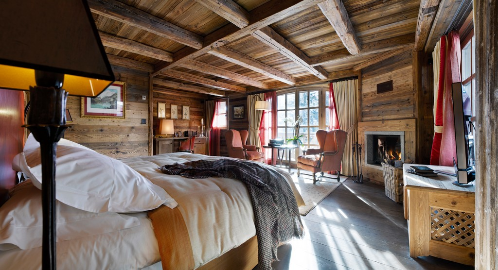 Master bedroom at Chalet Ormello in Courchevel 1850