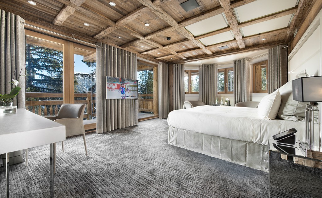 Luxury En-suite Bedrooms Chalet Owens in Courchevel 1850