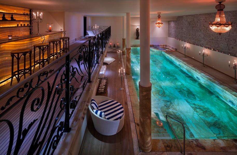 Swimming pool from top floor Truffe Blanche in in Verbier