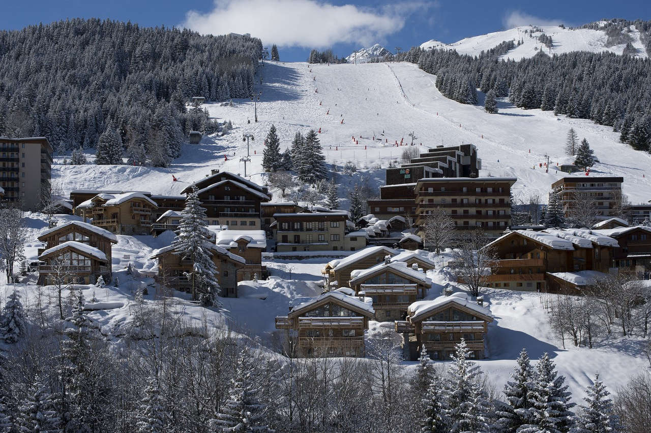 Slopes near the Makalu chalet in Courchevel 1550