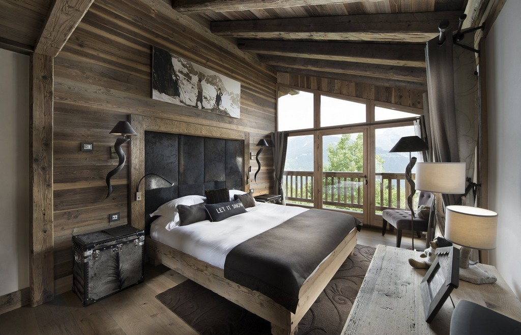 luxury bedrooms Makalu chalet in Courchevel 1550 in the summer