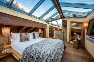 Gallery Suite bedroom Chalet Zermatt Peak