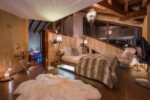 Master suite by night with Jacuzzi Chalet Zermatt Peak