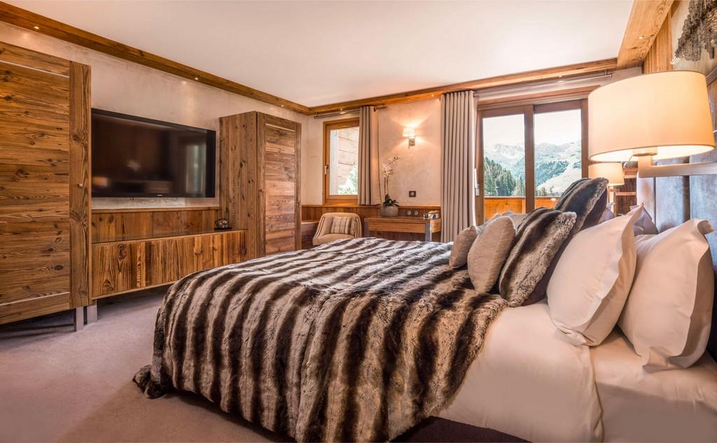 Luxury bedrooms Chalet Genepi