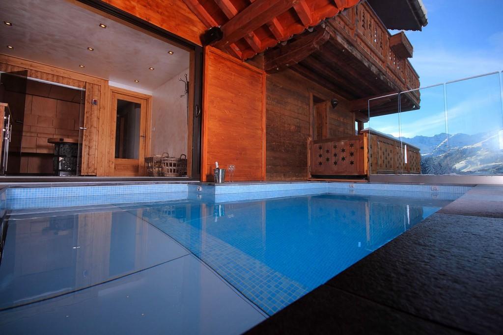 Swimming pool Chalet Genepi, Meribel