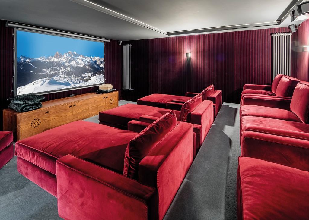 Large Cinema room LV-02