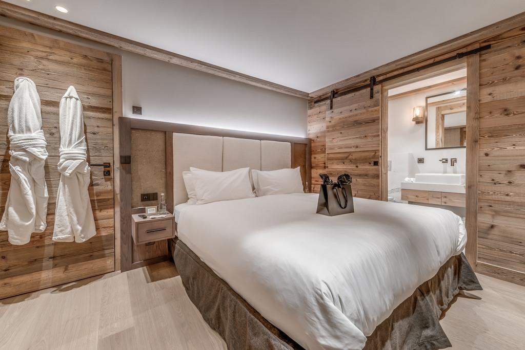En-suite bedroom-2