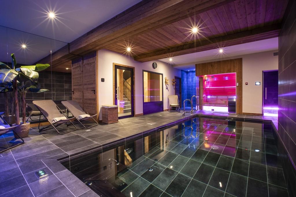 Swimming pool Chalet Golden Jubilee of Koh-I Nor