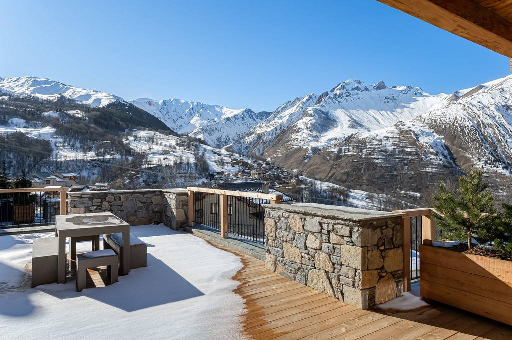 Large terrace with barbecue Chalet in St-Martin de Belleville