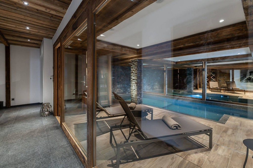 Indoor Swimming pool Chalet Pure Black Crystal