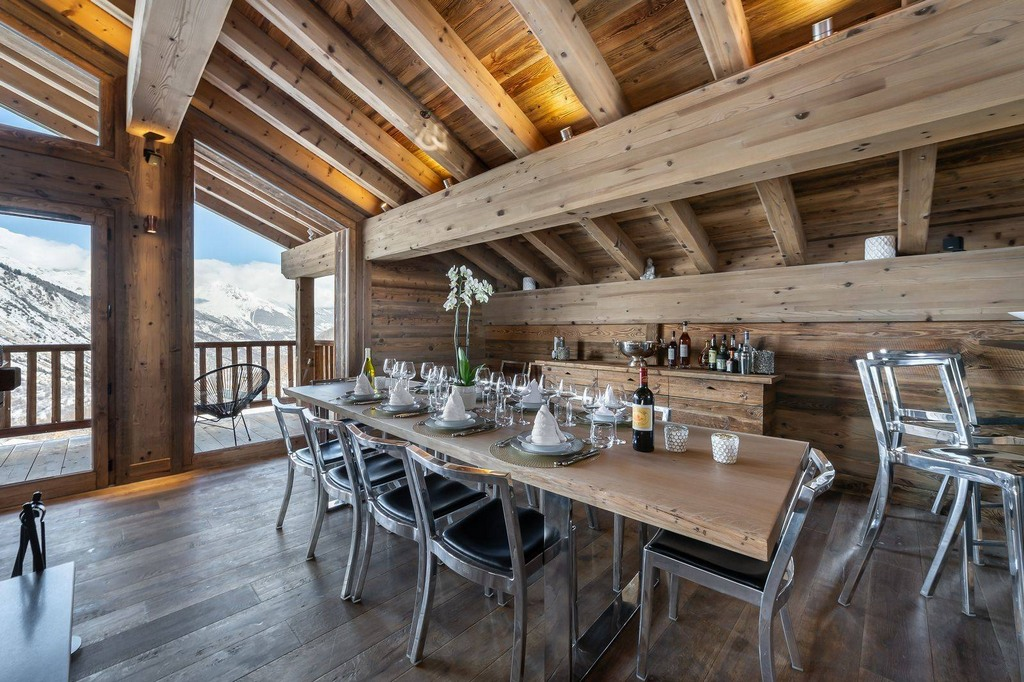 dining-area_Chalet_pure_white_crystal_luxury_Saint-Martin-de-Belleville