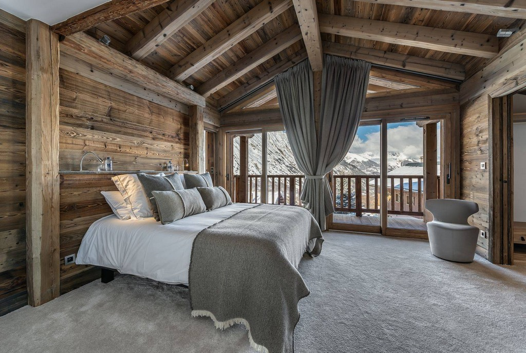Bedroom1 Chalet Pure White Crystal
