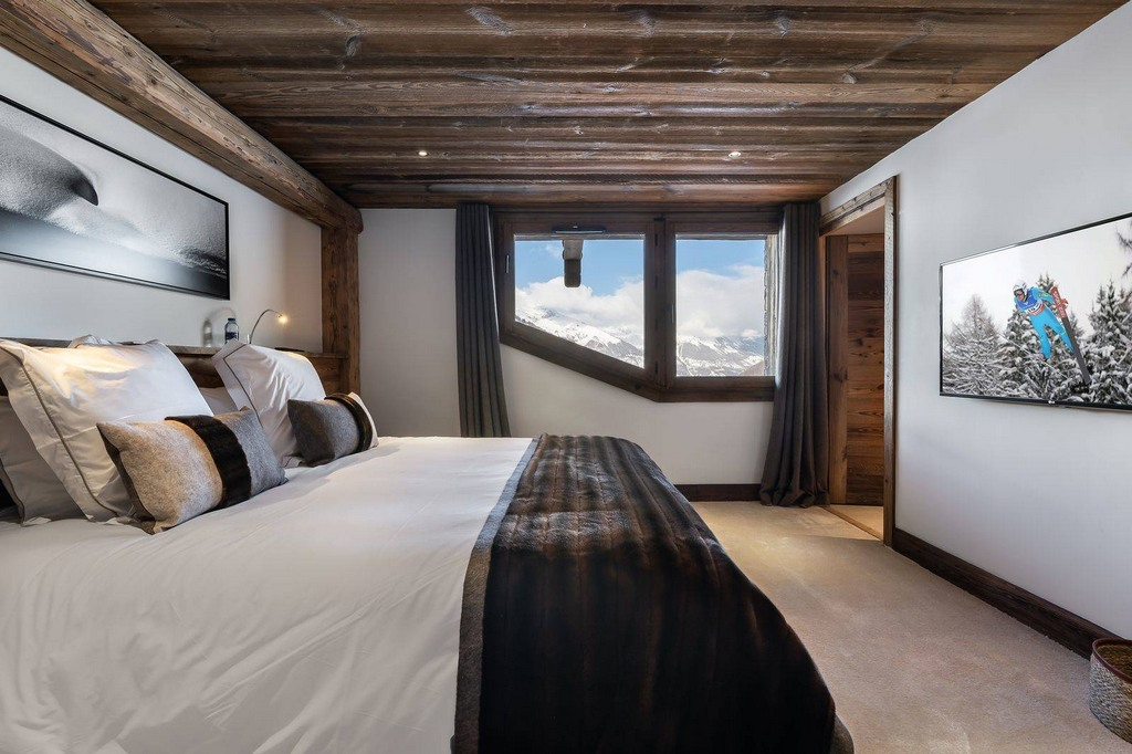 Bedroom5 Chalet Pure White Crystal