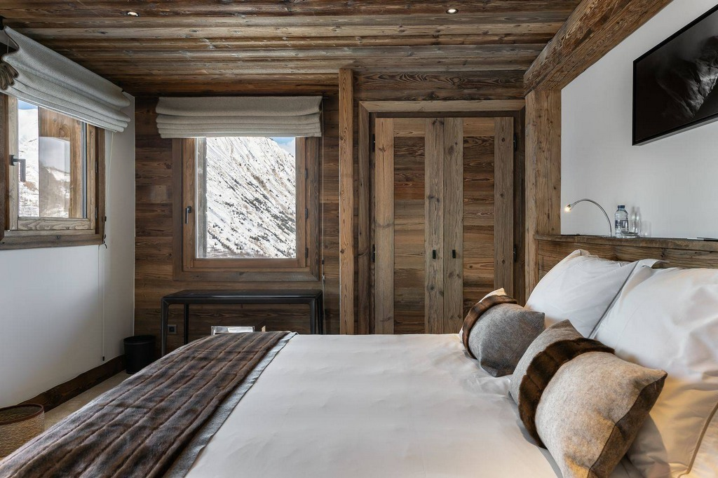 Bedroom2 Chalet Pure White Crystal