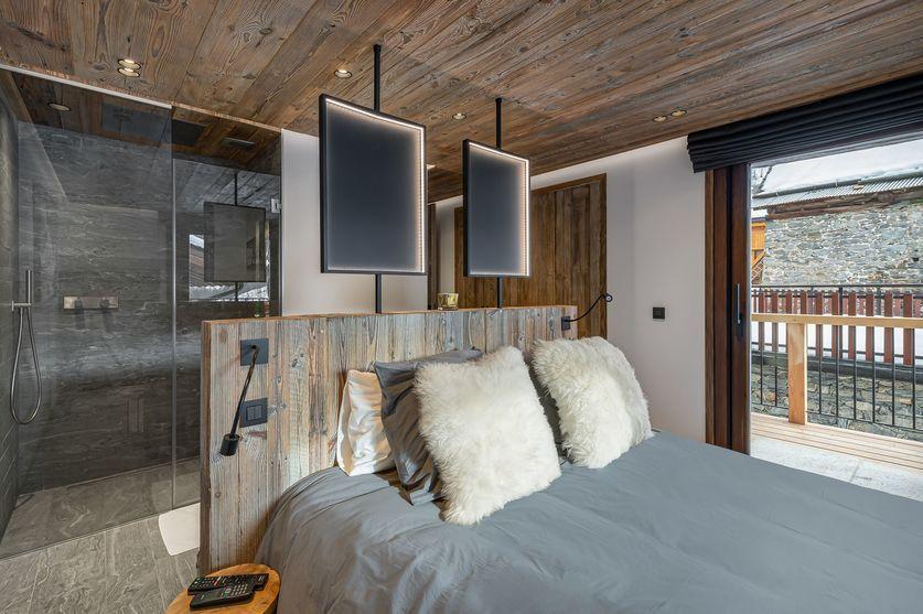 En-suite bedroom two chalet la Grange de Martinel