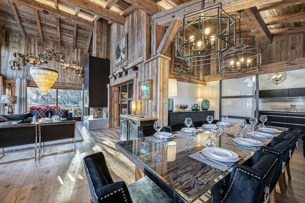 Living areas and dining areas