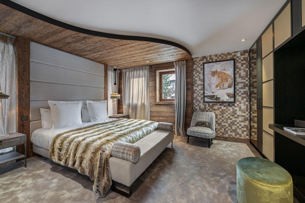 4ht Double Ensuite bedroom Chalet Divinity