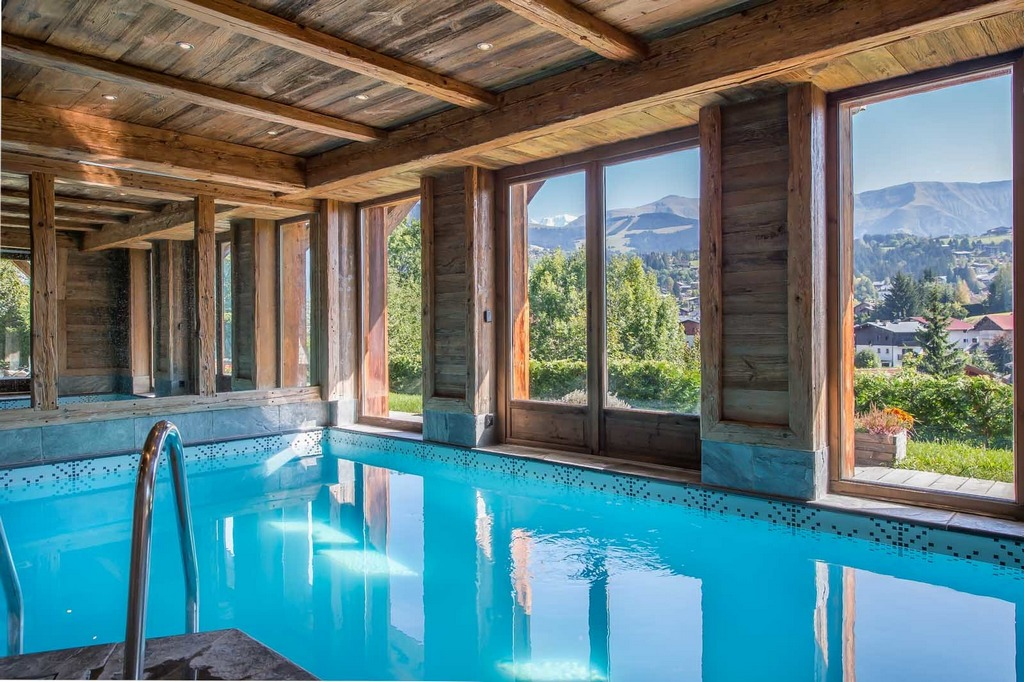 Indoor pool Chalet Crystal White