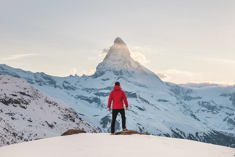 Ski in SKi out chalet outdoor Switzerland